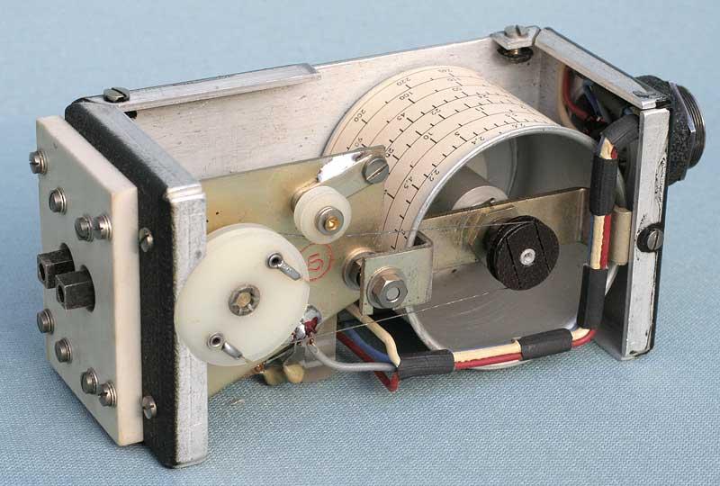 Réalisation d'un Grid Dip Oscillator (GDO) à tube. Partie mécanique 4813